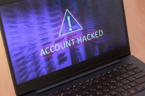 Android Trojan compromises Facebook Accounts